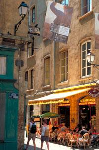 Photo d'une rue pietonne du vieux Lyon